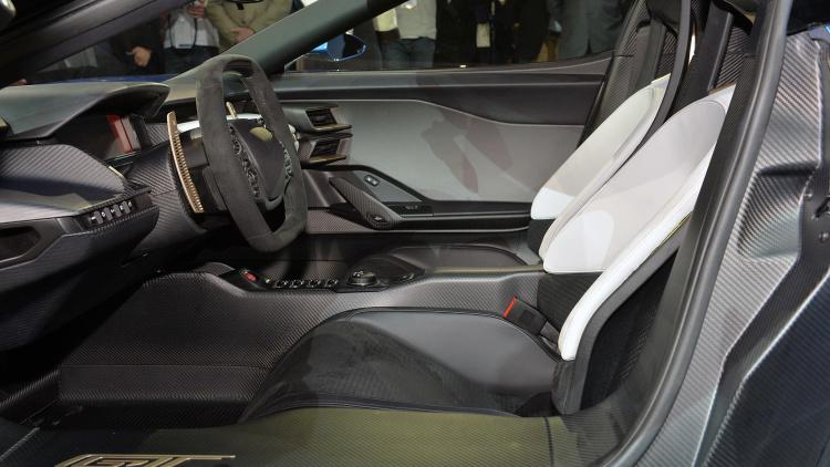 24-ford-gt-concept-detroit-1