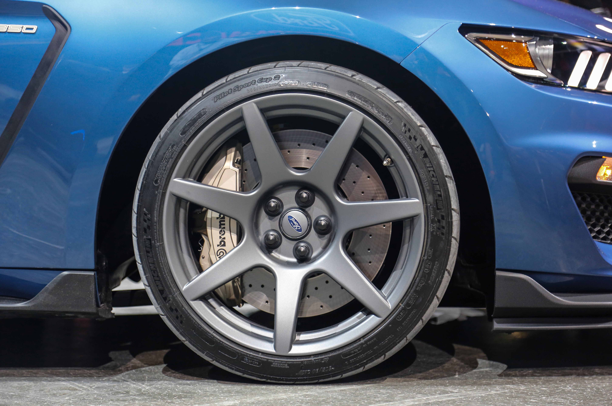 ford-shelby-gt350r-mustang-wheels-02