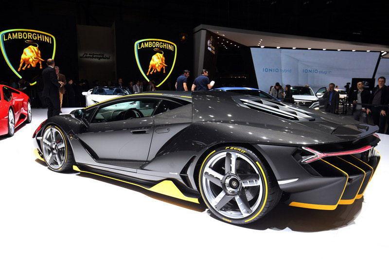 2016-Lamborghini-Centenario-RW-Carbon-Fiber-1
