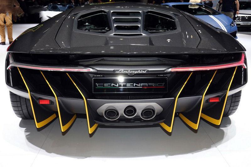 2016-Lamborghini-Centenario-RW-Carbon-Fiber-3